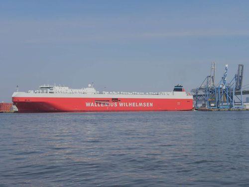 2012-06-30 Tysla sailing, Morning Celine docking  (1)
