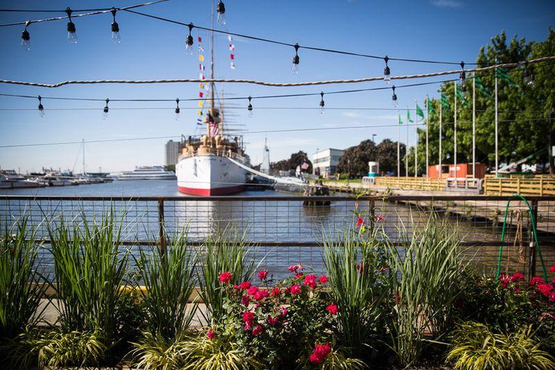 Spruce-street-harbor-park-Matt-Stanley-river-boat-900VP