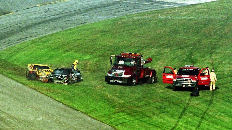 021814_NASCAR_DaleSrWreck_PI.vadapt.955.medium.54
