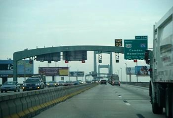 Walt_Whitman_Bridge_EB_1.5_mi_to_US_130_NB-I-676