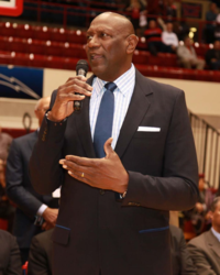 Spencer-Haywood-retires-no-makes-remarks