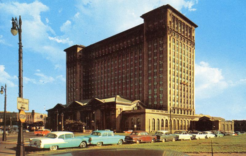 Ford-Train-Station-Postcard-1956