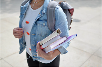 4 Steps Students Should Follow After a Car Accident to File