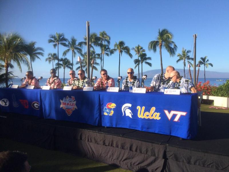 Maui-Jim-Invitational-Coaches-Table