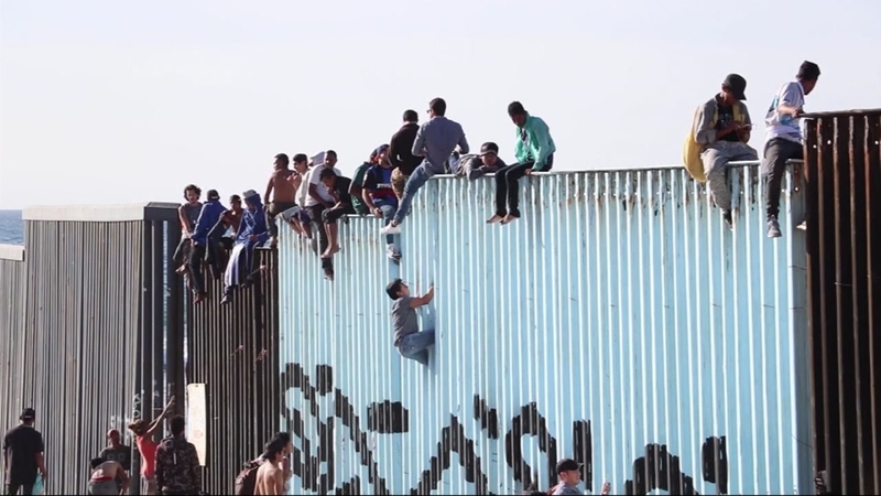 4689210_111418-kgo-migrant-caravan-tijuana-img_Image_00-00-22 22