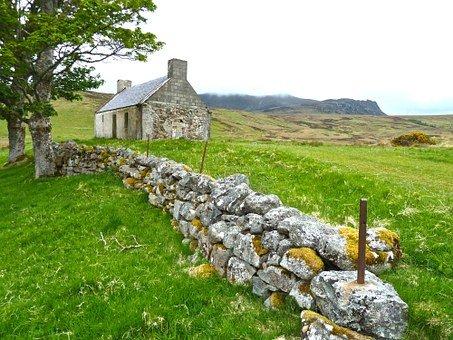Farmhouse-272596__340